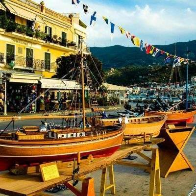 'Eκθεση μοντέλων παραδοσιακών σκαφών του Ποριώτη καραβομαραγκού Νέλου Δραγούμη