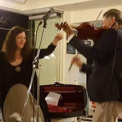 Ο Νίκος Οικονομίδης και η Κυριακή Σπανού προσέφεραν ένα γνήσιο αιγαιοπελαγίτικο γλέντι