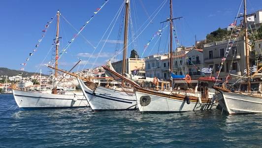 Στιγμιότυπα απο το 5ο Ναυτικό Σαλόνι Παραδοσιακών Σκαφών